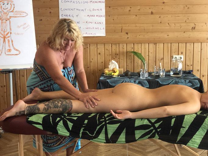 Heilung der Weiblichkeit - Lima Lima Ausbildung - Noelani Marion Naone - Academy of Aloha