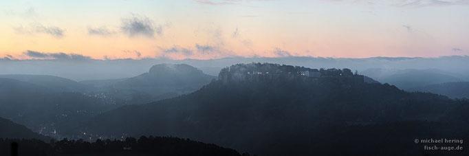 Elbsandsteingebirge vor Sonnenaufgang