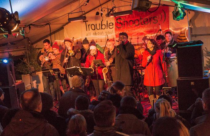 Troubleshooters Weihnachtsmarkt Schwabing an der Münchner Freiheit - Foto by Martin Bennecke