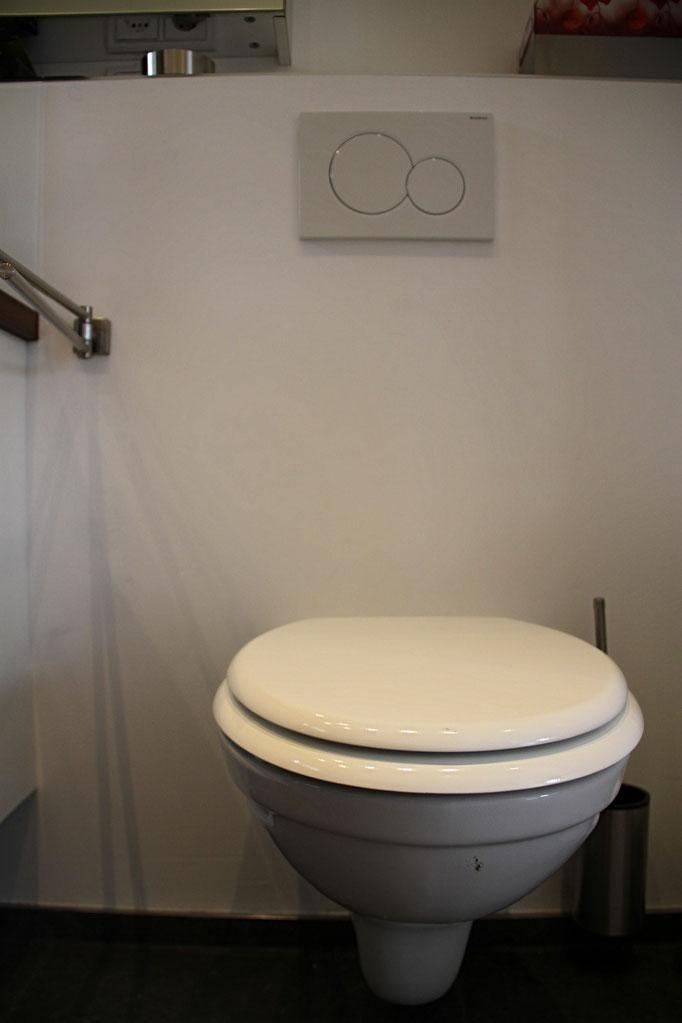 Belia's Home Ferienwohnung Toilette