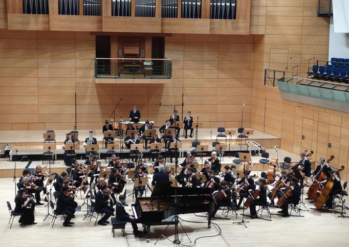 Konzert mit dem Jugendsinfonieorchester Sachsen-Anhalt unter der Leitung von Heribert Beissel