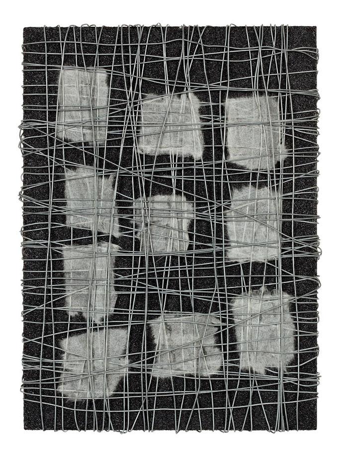 """""""無題"""" 33.5×24.0㎝(2009) wire,japanese paper,acrylic on wood"""