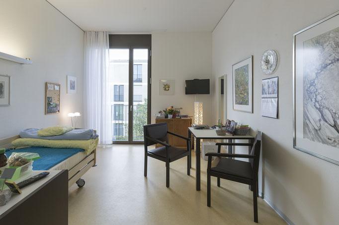 Einzelzimmer mit Sicht auf Quartier
