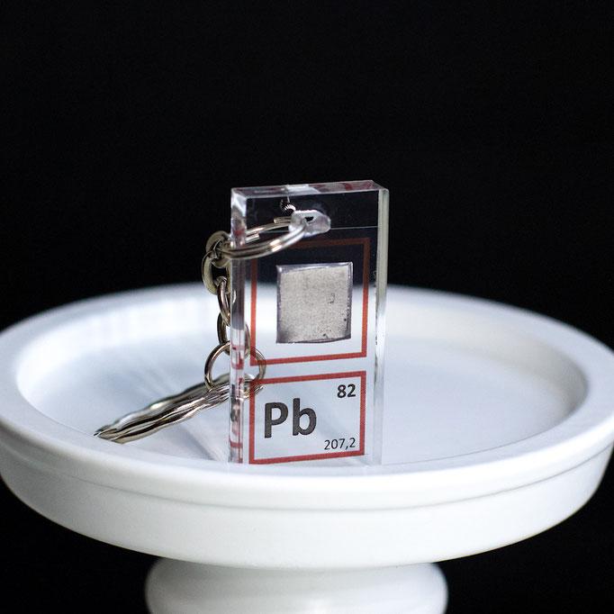 piombo portachiavi, portachiavi di elementi, portachiavi con elementi, elementi della tavola periodica, elementi chimici, regali scientifici, gadget scientifici, portachiavi scientifici, portachiavi di metallo