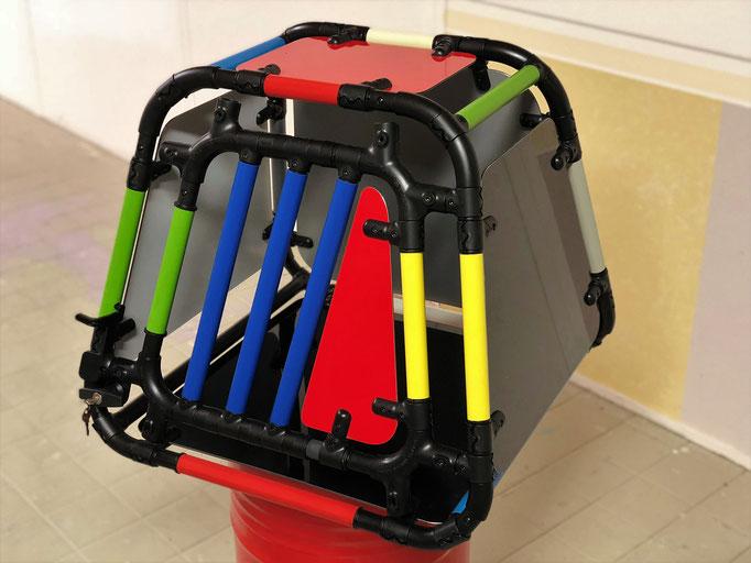Box farbig für Austellung CrateTec