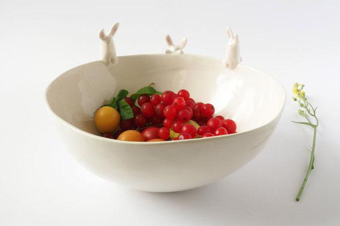 Bol avec lapins en céramique, 186$