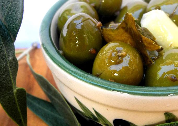 Oliven, eingelegt oder getrocknet