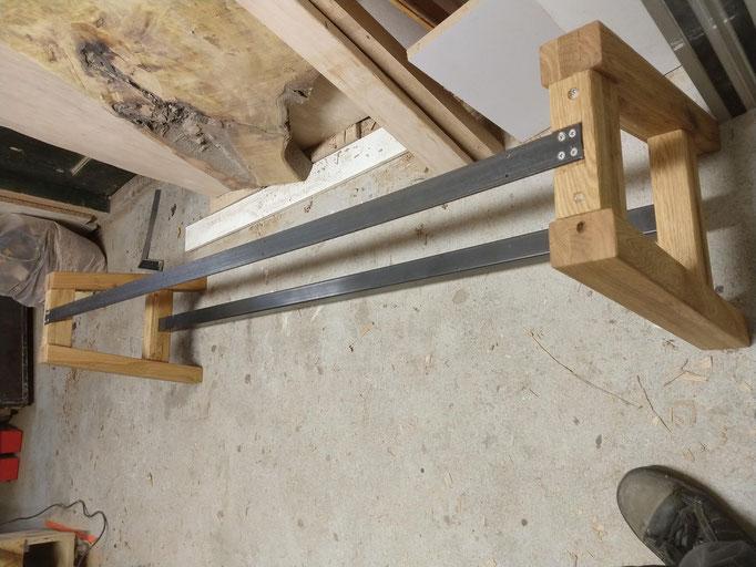 hout en staal gebeiteld .com