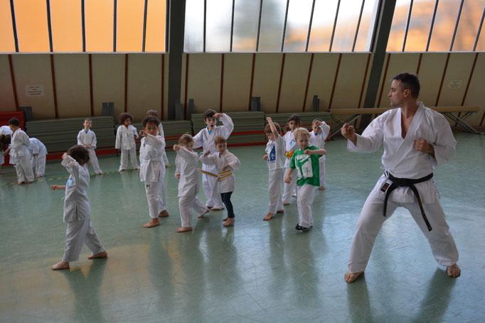 Kampfkunst altersgerecht vermittelt, hier für 3 bis 6 Jahre