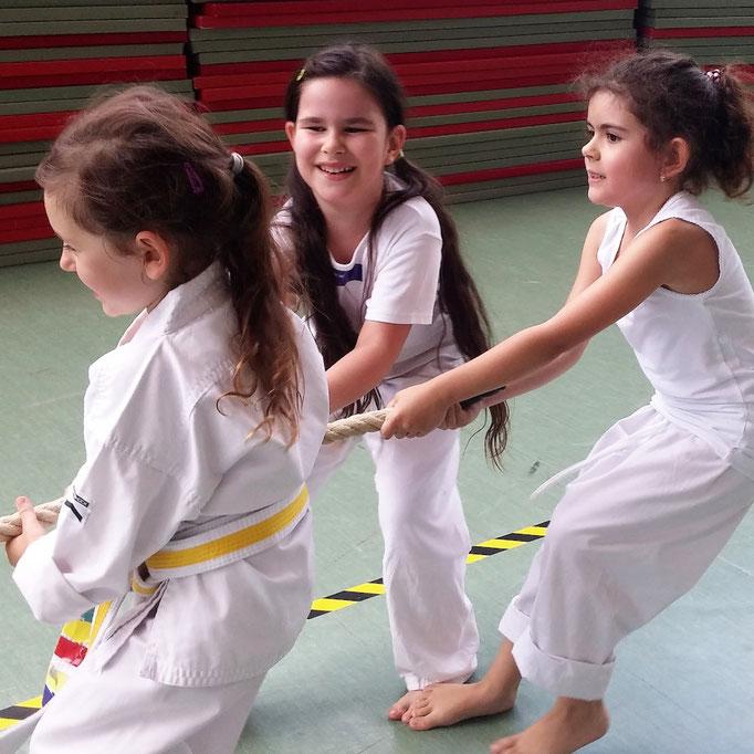 Wertevermittlung: mit Spaß zu Teamwork und Girl Power, hier 5 und 6 Jahre