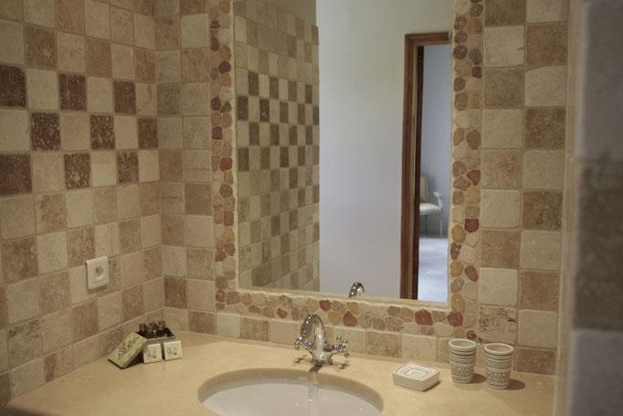 chambre côté verger, la salle de bains