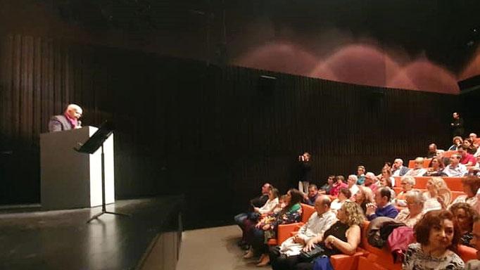 D. J. Felipe Foj saluda a los asistentes en el Auditorio Picasso