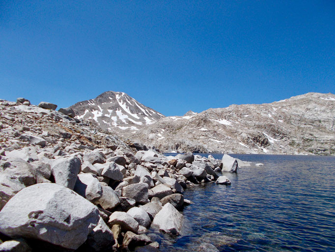 Helen Lake und der Blick Richtung Pass.