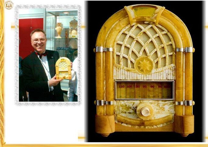 Радио ламповое в янтарном корпусе.2003