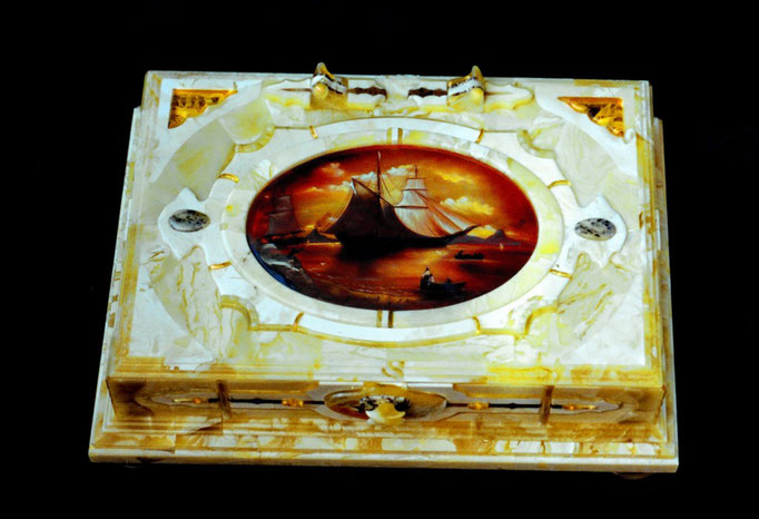 Casket with lacquer miniature. 2004