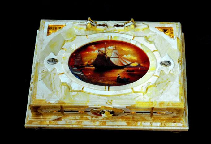 Шкатулка с лаковой миниатюрой. 2004