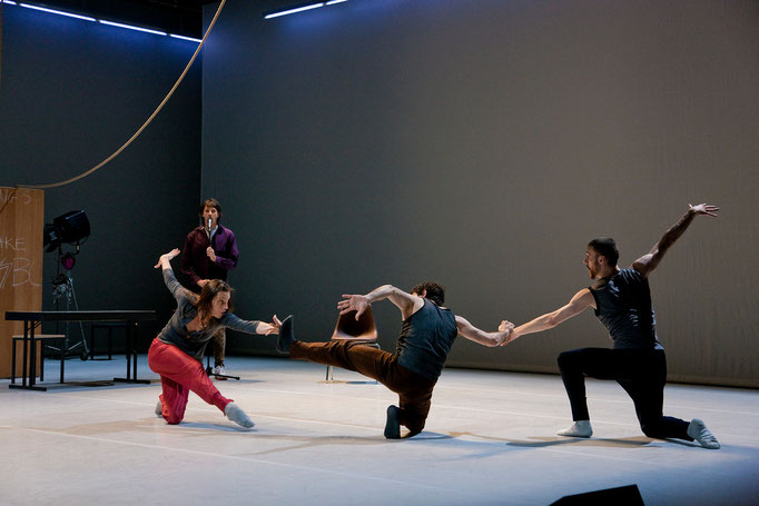 Theatrical Arsenal 2 - by William Forsythe; dancers: David Kern, Roberta Mosca, Ander Zabala, Cyril Baldy; photo: Sylvio Dittrich
