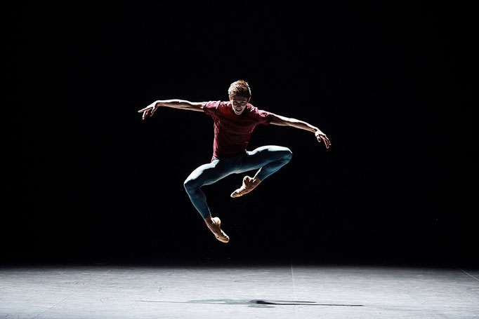 Playlist (Track 1,2) - by William Forsythe, English National Ballet, dancer: Erik Woolhouse; photo: English National Ballet by Lorent Liotardo