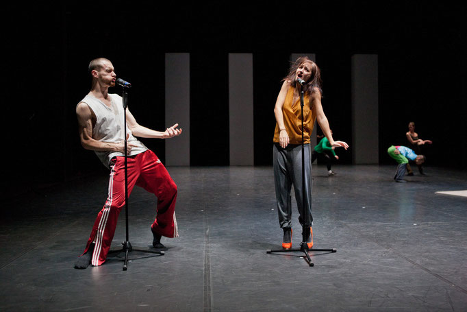 Yes we can't - by William Forsythe; Barcelona Version; dancers: Cyril Baldy, Inma Rubio; photo: Dominik Mentzos