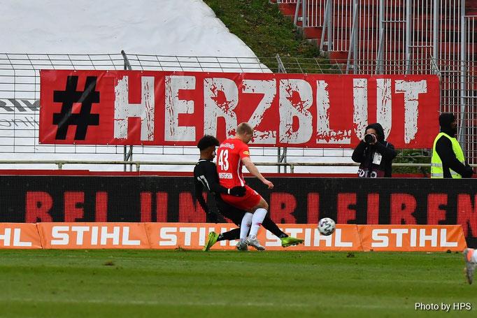 Wie schon gegen Austria Wien war Manuel Aiwu einer der stärksten Verteidiger am Platz