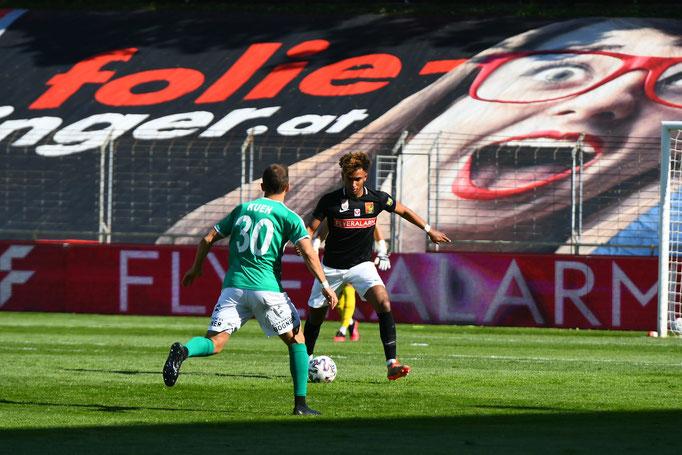Emanuel Aiwu war mit seinen starken Leistungen von Start an gegen Mattersburg dabei