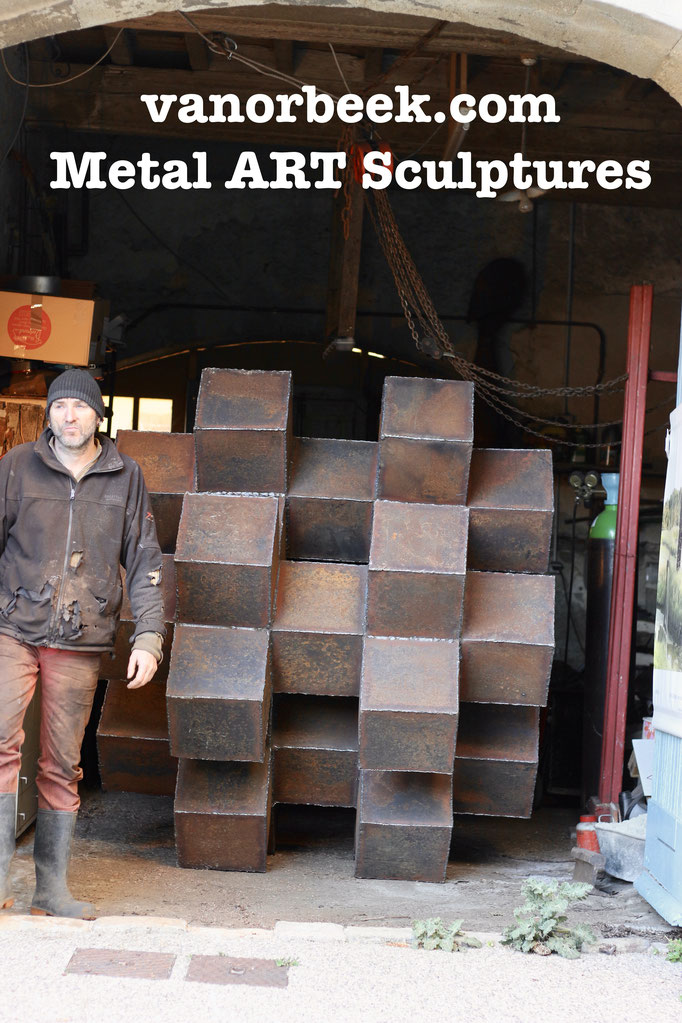 HASHTAG 170 x 170 x 170 cm, °2020 Metal ART Sculptures
