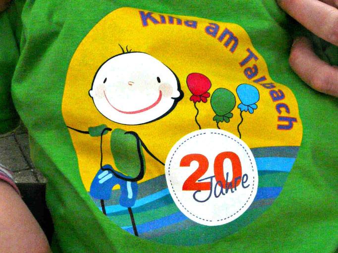 Logo des 20-jährigen Jubiläums des Kinderhauses am Talbach