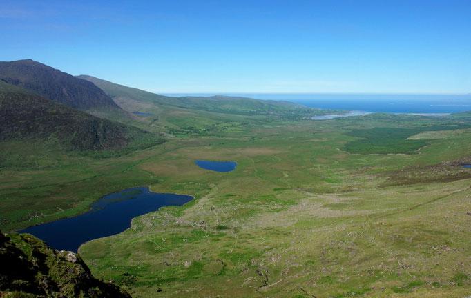 Blick vom Connor Pass nach Cloghane im Norden von Dingle