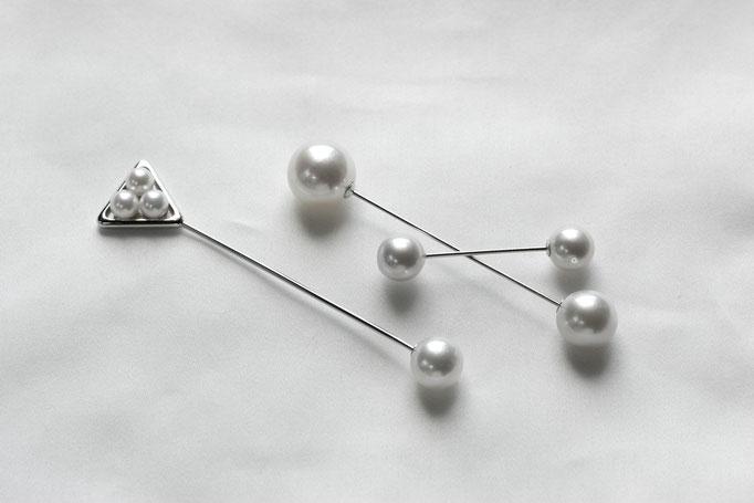 左から pearl pin - No:OPB-10 素材 K10 & SV925 x アコヤ真珠 x 南洋真珠 ¥47.700 ,No:OPB-11 素材 K10 x 南洋真珠 ¥32.000  / pearl pierce - No:OPE-30 素材 K10 x 南洋真珠 ¥23.000single