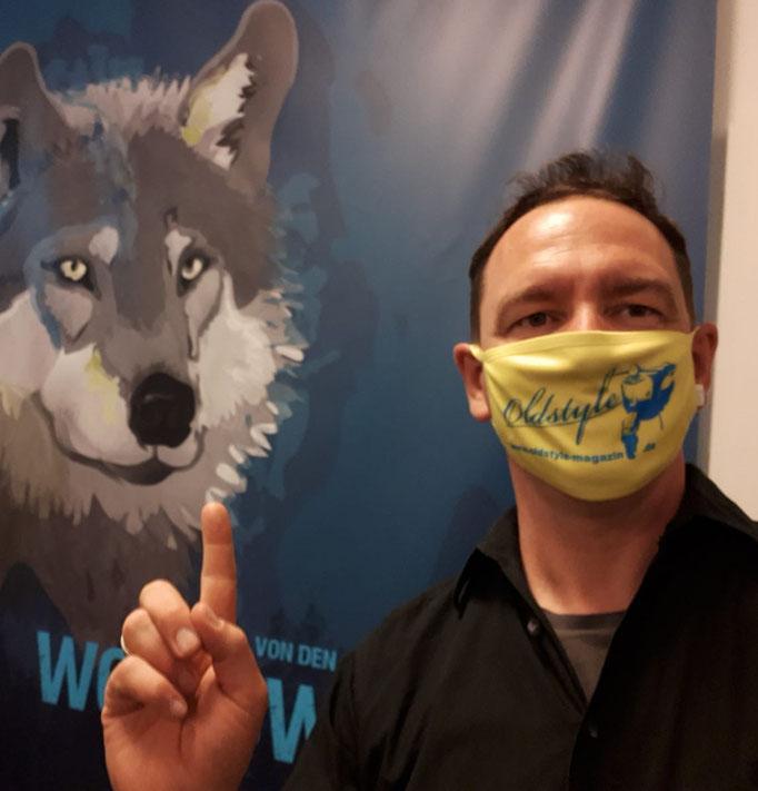Attention si vous plait. Was hat der Wolf nur mit Rollern zu tun? Der Finger ist meiner.