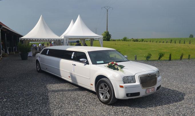 limousine pour les mariés