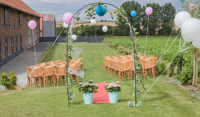 mariage laique dans le jardin