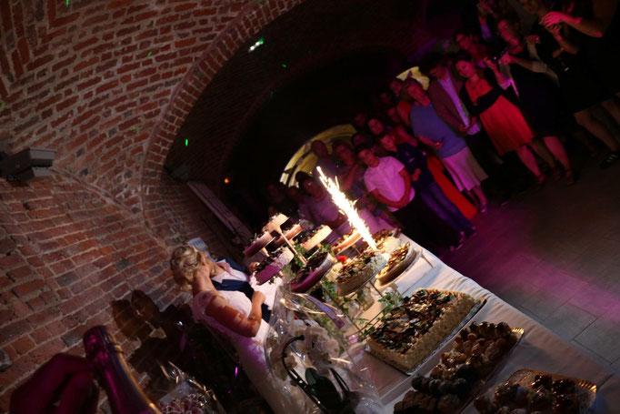 le buffet de dessert des mariés