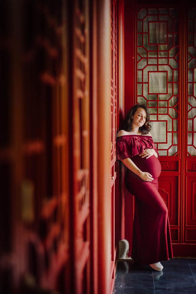 Schwangerschaftsfotografie, Babybauchshooting Berlin, Babybauch Fotograf in Berlin, Maternity Photosession Berlin, Pregnancy Berlin, Babybauchfotos Berlin, Gärten der Welt