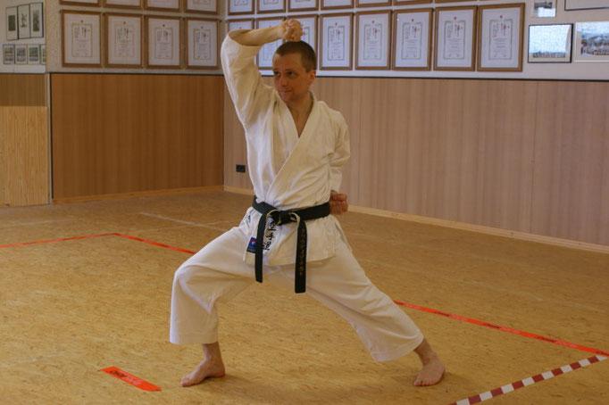 Nakat, Claudio | Karatetraining seit 1996 | 1.Dan 2006 bei Ochi Sensei | 2.Dan 2009 bei Ochi Sensei | 3. Dan 2014 bei Ochi Sensei