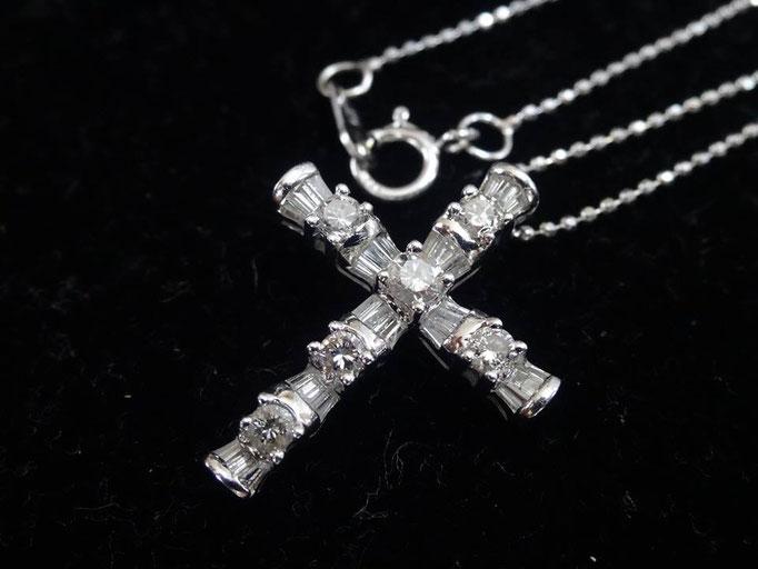 買取り ダイヤ クロス ネックレス/ペンダント