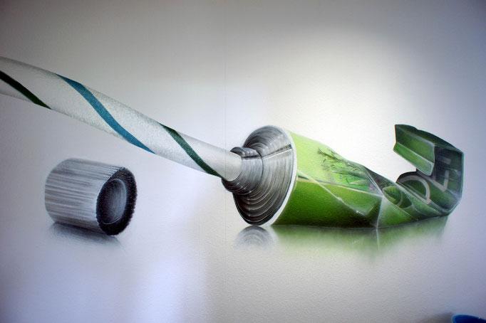 Fotorealismus einer Zahnpastertube