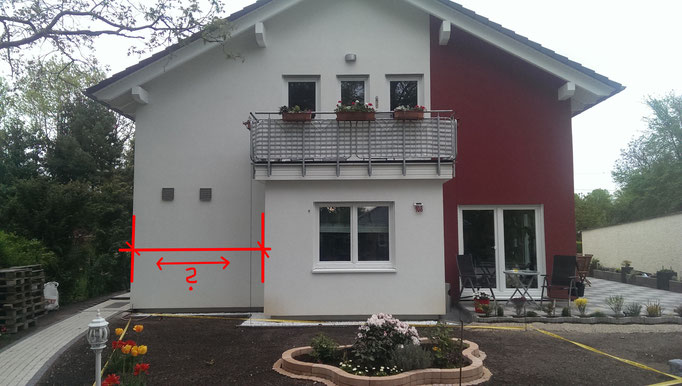 Haus Hauswand vor der vor Ort Besichtigung / Beratung und Ideenfindung mit Eigentümer Wandgestaltung mit Graffiti