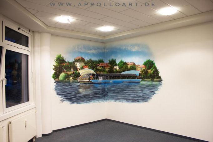 Hintergrundbild für Fernsehaufnahmen Stadtverwaltung gestaltet und gemalt mit Graffitidose für Innenraumbemalung