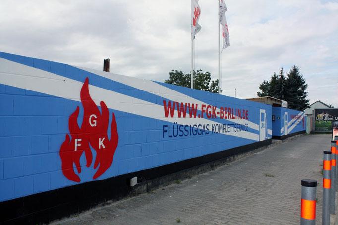 Firmenlogo gestalten mit Graffiti und Wandmalerei