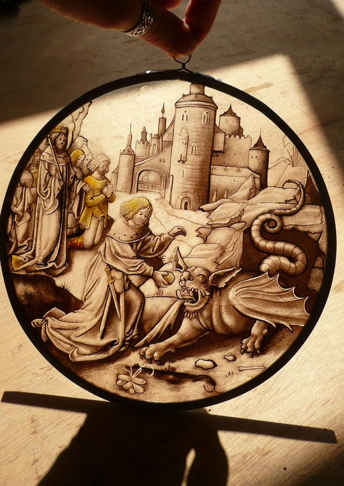 Copie d'un rondel du XVI ème siècle, peinture sur verre (grisaille et jaune d'argent).
