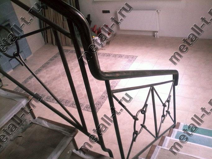 Ограждение лестницы - круглый поручень