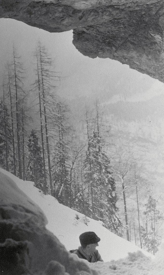 Höhleneingang im Jahre 1953