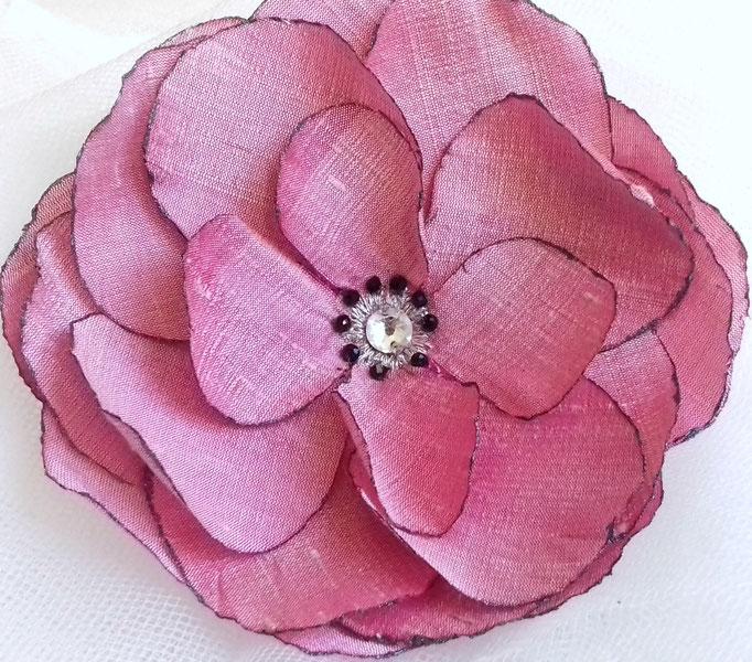 Fleur en tissu de soie sauvage commande personnalisée atelier Maria'S