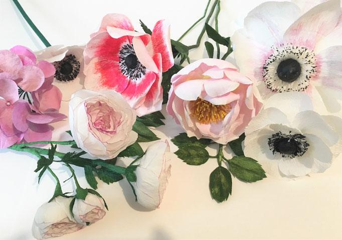 Fleurs en papier crépon, anémones, pivoines, renoncules/atelier Maria Salvador/Paris