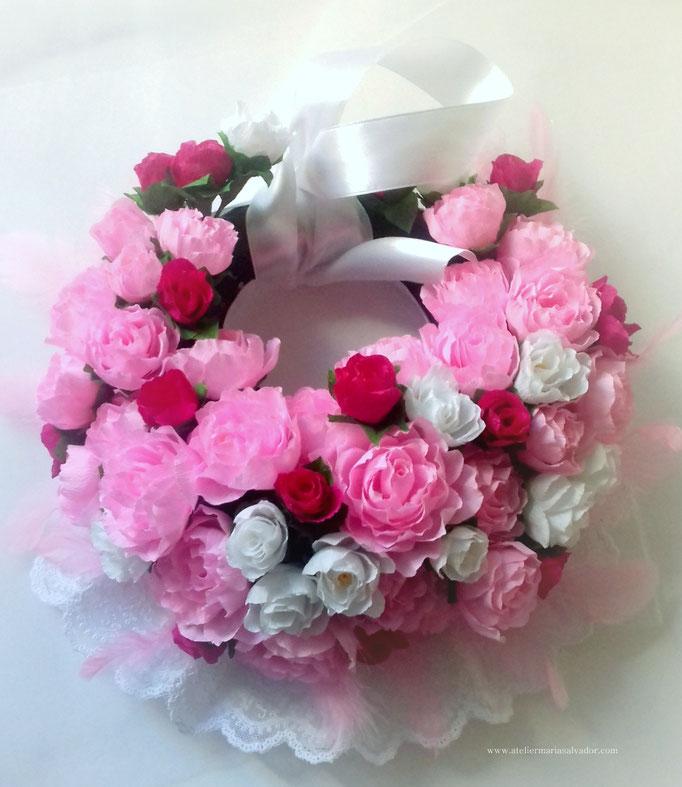 Couronne de fleurs en papier crépon création atelier Maria'S