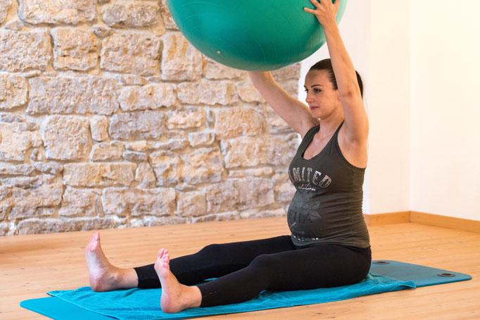 Schwangerschaftsgymnastik Geburtsvorbereitung Rückbildung Pilates Studio Basel - Pilates & Motion