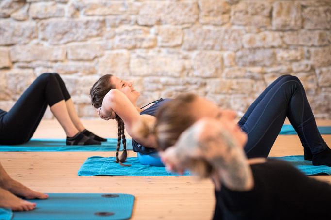 Pilates Studio Basel - Pilates & Motion - Halteübungen in der Gruppe. Kleine Gruppen. Pilates in Rheinfelden jetzt in Basel, Schwangerschaftsgymnasitk in Rheinfelden, Rückbildungsgymnastik in Rheinfelden jetzt in Basel
