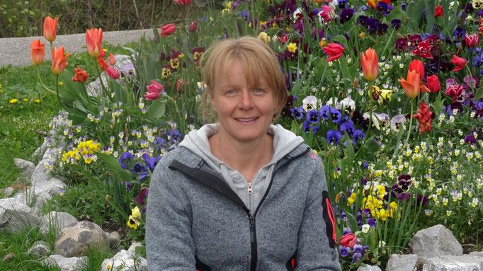 Ruth Mosimann, Verkauf - unsere Schwiegertochter, ist gelernte Gärtnerin.