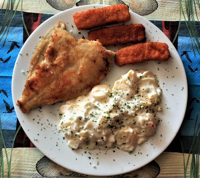 06.10.2019 Scholle, Fischstäbchen mit Kartoffelsalat